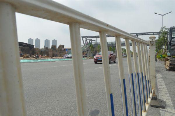 江门大道主道临时红绿灯已全部撤销 过往车辆通行更顺畅