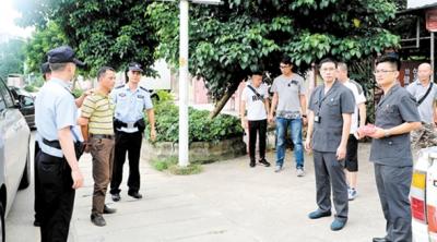 """台山市人民法院突击行动把""""老赖""""逮住"""