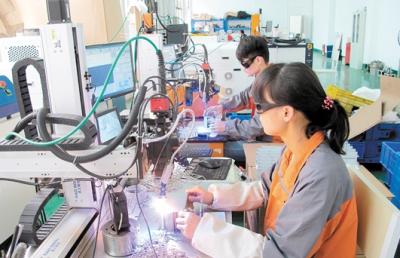 """作为新兴产业,激光产业正在""""风口""""上  蓬江区发力激光产业"""