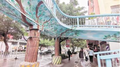 江门市区旧天桥焕发新活力  市民盼能增建天桥