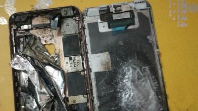 """苹果手机突然爆炸,消费者一个月打了20多个电话,客服始终""""在处理"""""""