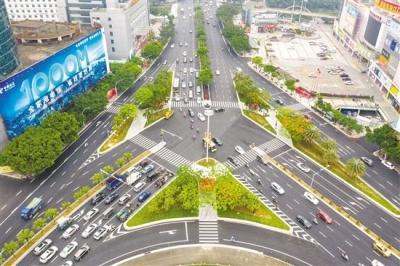 多路段改造基本完工 港口二路將進入瀝青施工階段