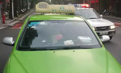 """江門:讓出租車成為""""流動風景線"""""""