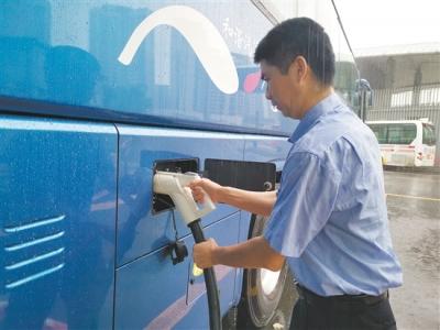 江门公汽30台纯电动旅游大巴上线