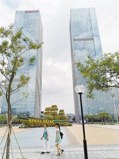 """从7层以下步梯楼到高达一两百米的超高层,江门城市天际线不断""""长高"""""""