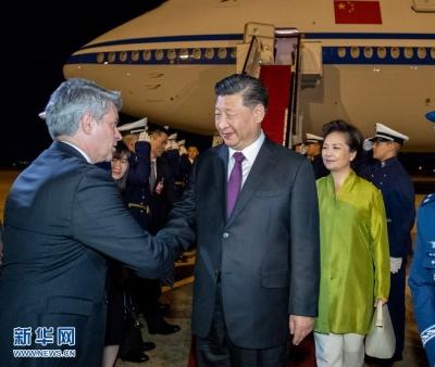 习近平抵达巴西利亚 出席金砖国家领导人第十一次会晤