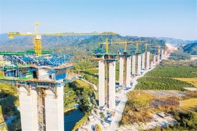 红旗特大桥等重大控制性节点工程有望9月底完工