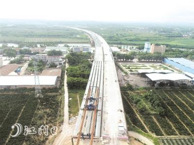 锦江特大桥全幅贯通  系开春高速全线首座实现全幅贯通的特大桥
