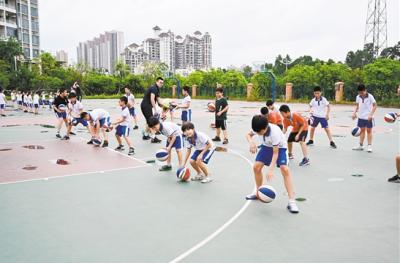 """市教育局要求各校构建体育活动课程""""超市""""  让每个学生都有喜欢的项目"""