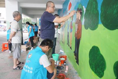 开平志愿者:以墙绘支持创文 表达对家乡的热爱