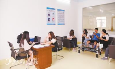 """恩平首家职工法律服务工作室启用 职工有了专属""""法律参谋"""""""