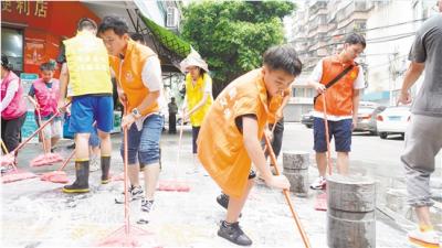 我市开展社区环境卫生清洁行动 人人参与共建美好家园