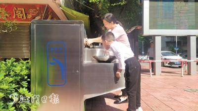 直饮水站 新会市民户外喝上免费水