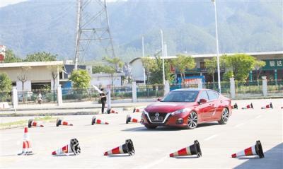 东风日产天籁驾驭性能挑战赛在江门举行 体验2021款天籁科技配置